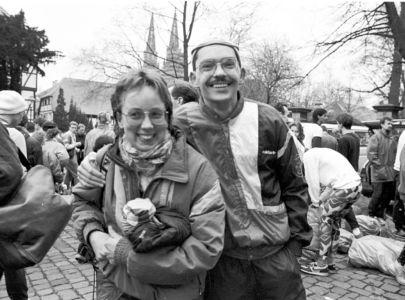 Freuendes Ehepaar