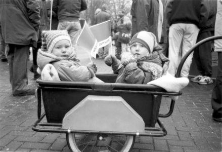 Kids Im Bollerwagen