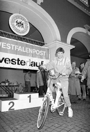 Sigrid Wulsch Mit Fahrrad