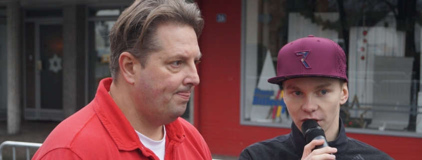 Bei Janik Broszeit Fachfragen kommt selbst Cheforganisator Ingo Schaffranka manchmal ins Grübeln. - Foto: Philip Stallmeister